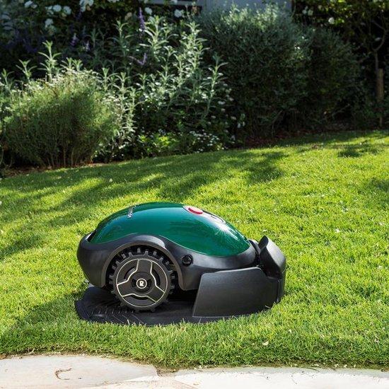 Robomow RX12U in tuin