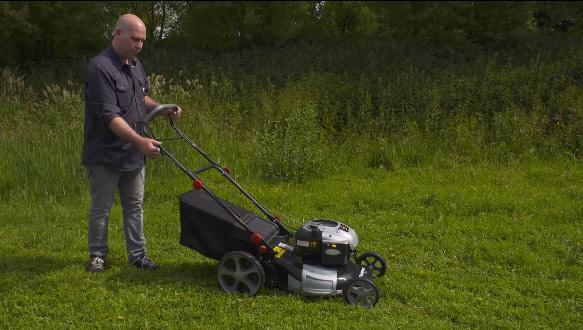 hoe start je een grasmaaier